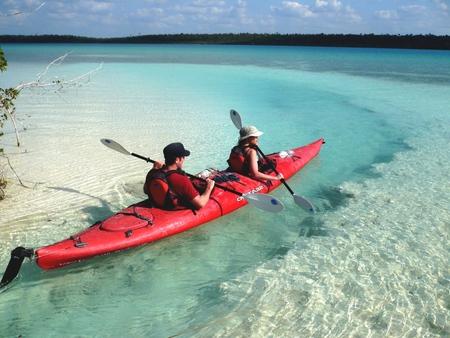 Kayak à Bacalar, Quintana Roo, Mexique