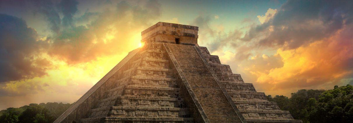 Chichen Itzá au lever du soleil